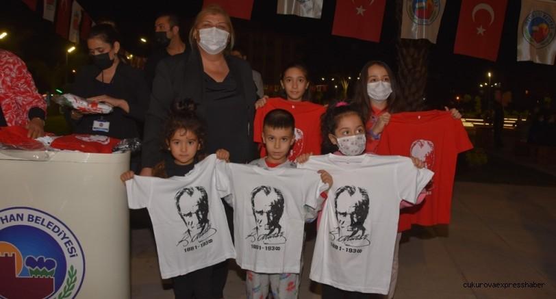 Atatürk Kent Meydanı'nda 10 Kasım etkinliği
