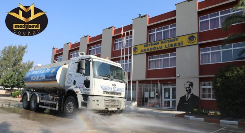 Yüreğir Belediyesi Okulları Temizliyor